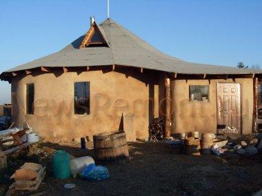 Отделка стен дома глиной, штукатурка и  шпаклевка.