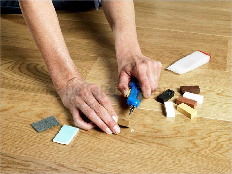 Чем убрать сколы на ламинате в домашних условиях 126