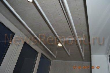 Подвесной пластиковый потолок